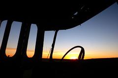LEJOS (kchocachorro) Tags: phothographer phothoart phothography horizon horizonte sun sunset silohuette siluetas paz landscape paisaje