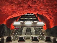 Go Underground (GER.LA - PHOTO WORKS) Tags: underground ubahn tunnelbanen rot red redstone