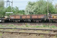 112038 Hoo Junction 110517 (Dan86401) Tags: 112038 oca ocan bass dropsideopen wagon br fishkind fourwheeled freight ews db dbcargo engineers departmental infrastructure civilengineer hoojunction 6y48