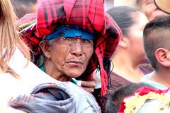 Asomando la mirada (angelmarioksherattoflores) Tags: mujerindígena chiapas guatemala pobreza marginación mujer ngc
