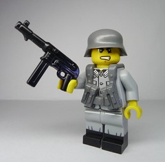 Blitzkrieg Ballyhoo with the BrickArms MP-40 V3! (enigmabadger) Tags: brickarms lego custom minifig minifigure fig weapon weapons accessory accessories combat war world production new