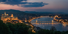 Budapest Skyline (Bastian.K) Tags: budapest hungary ungarn danube donau hid chain bridge kettenbrücke blaue stunde blue hour dusk dawn sunset sunrise sundown zeiss loxia 85 24 85mm loxia8524 carl czj sony a7rii a7rm2 ilce7r2 hungaria magyarország