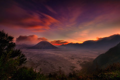 Mount Bromo - The most well known active volcano @ 7641 ft (Ramesh Kurup) Tags: fujifilm sunset volcano mountbromo indonasia xt2 1024 travel