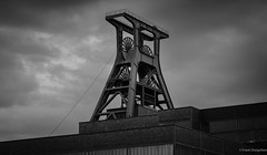 Zeche Zollverein (frankdorgathen) Tags: industriekultur industry mining coal city urban town outdoor blackandwhite monochrome summer sunset cloud sky nordrheinwestfalen ruhrgebiet stoppenberg essen tower shafttower
