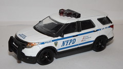 Greenlight NYPD Ford Police Interceptor Utility (car show buff1) Tags: greenlight baywatch emerald bay lifeguard united states forestry service pierce dash hazard squad ford police interceptor sedan utility classic seagrave fire engine bmw mack b truck international workstar brush f550 2015 new models diecast collectibles series 13 chicago dept dodge monaco 2010 diorama chief command charger pursuit speedway