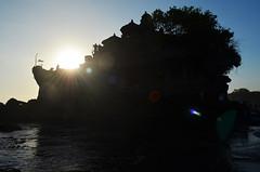 Bali_TanahLot_24 (chiang_benjamin) Tags: bali indonesia tanahlot temple beach ocean coast sea sunset dusk cliff