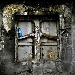 The bottle / La bottiglia (Giorgio Ghezzi) Tags: window finestra bottle bottiglia giorgioghezzi
