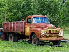 Rusty Old 1950(?) International L-160 Series Stake Truck (J Wells S) Tags: 1950internationall160staketruck flatbed abandoned rust rusty crusty junk shandon ohio internationaltruck internationalharvester ih