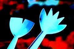 Servers Searching Salad (HansHolt) Tags: saladserverset saladservers fork spoon cutlery cubiertosdeensalada serveursdesalade salatbesteck slacouvert plastic blue bokeh red dof abstract canon 6d canoneos6d canonef24105mmf4lisusm