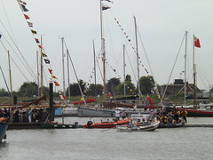 Cinque Port Liberty Celebrations & Blessing of the Waters Brightlingsea 2017 (lynnballard) Tags: cinque port liberty celebrations 2017 brightlingsea essex boats barges people faces mayors deputys crowds sea water blessing historic ceremony pontoons penants flags masts jetty