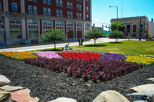 Premier Arts, Elkhart - The Amazing Technicolor Dream Quilt garden