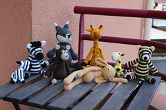 IMG_0307 (korova08) Tags: crochet amigurumi tigre girafe monstre gentil loup singe