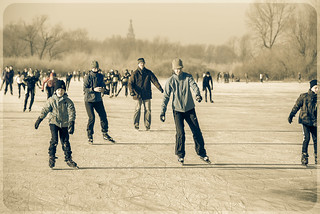 Ice skating on Oude Waal floodplain