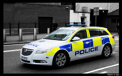 Police Service of Northern Ireland - 2010 Vauxhill Insignia Estate - Belfast, NI, U.K. (SpottingWithTom) Tags: car police psni vauxhill insignia belfast victoria street service northern ireland uk law enforcement