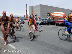 DSCN1923 (IantoJones2006) Tags: fremont solstice cyclists 2017 naked bike seattle parade nude painted body paint bicycle