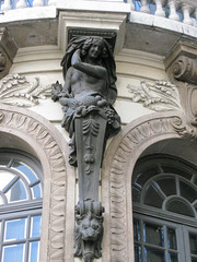 IMG_9801 (jaglazier) Tags: 1909 1909ad 2017 20thcentury 20thcenturyad 6417 adults arches architecture brazil buildings copyright2017jamesaglazier facades franciscodeoliveirapassos grecoroman june karyatids legends metalsculpture myths religion riodejaneiro rituals theaters theatromunicipal urbanism windows women art bronze bronzesculpture castbronze cities crafts metalworking sculpture stonebuildings