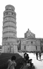 Pisa Tower (tolerdus) Tags: canon eos5 kodak trx 400 28mm