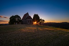 finally summer (Andreas.W.) Tags: mühlviertel wenzelskirche wartberg samyang samyang12mm 12mm weitwinkel wideangle manualfocus austria wenzel kirche church chapel sunlight sunrays sunset sonnenuntergang sonnenstrahlen lighting eveningsun eveningmood abendsonne abendstimmung