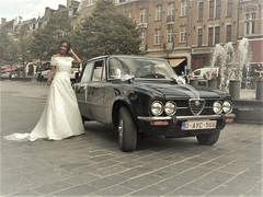 Bride and Giulia. (Stinoo) Tags: alfa romeo giulia nuova bruid bride ieper ypres huwelijk marriage wedding narzeczona morsian bruden sposa novia noiva menyasszony невестата