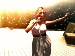Heaven let your light shine. (savrainsings) Tags: