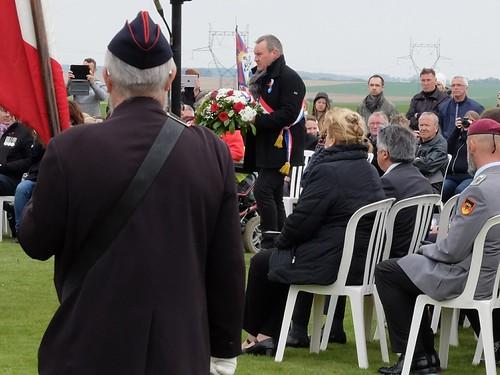 Dépôt de gerbe de M. Romain Joron, député de la Somme