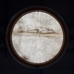 Lorgnon (Gerard Hermand) Tags: 1702246750 gerardhermand france paris canon eos5dmarkii formatcarré palaisdetokyo musée museum abstrait abstract abstraction hublot porthole
