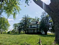 Empty Farmhouse (cowyeow) Tags: missouri american america usa nature green habitat landscape farm farmhouse composition rural house home lawn