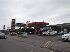 Texaco - Watling Street, B5404 Wilnecote, Tamworth, Staffordshire (christopherbarker13) Tags: texaco petrolstation garage watlingstreet b5404 wilnecote tamworth staffordshire