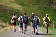 Wandern als Gruppe (Mid-Atlantic Hiking Group) Tags: wandern trekking outdoor freizeit berge alm alpen ausblick ausssicht berg bergromantik berglandschaft entspannung erholung ferien fremdenverkehr frhling gebirge idylle landschaft natur naturlandschaft naturpark niedersterreich obersterreich schweiz sommer steiermark sdtirol tirol tourismus touristik urlaub vorarlberg werbung wiese zillertal sterreich tztal gruppe sport jugend austria