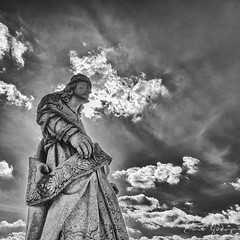 Congonhas/MG - Brazil - Prophet b&w (Enio Godoy - www.picturecumlux.com.br) Tags: bluesky prophet minasgerais nikon sculpture stonesoape nikond300s brazil niksoftware sky texture silverefexpro2 details workofaleijadinho congonhas hill day bw