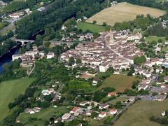 Montricoux (François Magne) Tags: ulm pendulaire vue aerienne village église rue ruelle pont tarn tarnetgaronne montricoux bastide