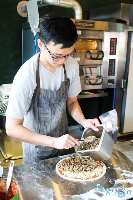 貝加莫廚房 創意金棗鴨賞披薩鹹香涮嘴、脆腸海鮮沙拉好澎湃!【宜蘭頭城美食】 @J&A的旅行