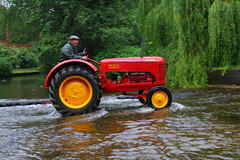 IMG_0439 (Yorkshire Pics) Tags: 1006 10062017 10thjune 10thjune2017 newbyhalltractorfestival ripon marchofthetractors marchofthetractors2017 ford fordcrossing river rivercrossing tractor tractors farmingequipment farmmachinery agriculture yorkshire northyorkshire