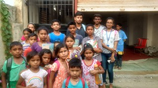 Team Blue Pen with Kids of Sangam Vihar, on 25.6.2017 (4-5PM)