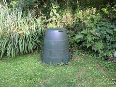Green Johanna (StopFoodWaste) Tags: composting mike composter compost