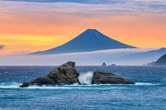 Mt Fuji & Twin Rocks in the Dramatic Sky - ver.II (-TommyTsutsui- [nextBlessing]) Tags: fuji mtfuji sunset sea japan rock waves surf storm sky cloud shore coast light orange yellow blue purple seascape landscape scenic summer nikon sigma50150 kumomi matsuzaki izu 富士 富士山 海 岩 波 夕陽 嵐 雲 空 夏 雲見 松崎町 伊豆