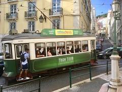 Madalena (ernstkers) Tags: 741 bonde carris carristur ccfl ccfl741 lisboa people portugal streetcar tram tramvia tranvia trolley eléctrico strasenbahn spårvagn