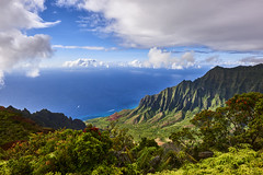 Kalalau Valley - Kauai (Giuseppe Moschetti.) Tags: giuseppe moschetti nikon d810 1424mm hawaii kauai usa sun sea pacific ocean clouds valley canyon kalalau