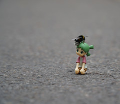 Oh there's something on my head (omgdolls) Tags: yotsuba よつば bee