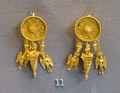IMG_1460 (jaglazier) Tags: 2017 330bc300bc 7417 adults archaeologicalmuseums boys britishmuseum chains children copyright2017jamesaglazier earrings england eros filigree goddesses gravegoods grecoroman greek hellenistic jewelry july london magic museums nike pyramid religion rituals rosettes urbanism women archaeology art burialgoods cities crafts disks figurines floral flowers funerary gods gold goldworking granulation iynx lovecharms metalworking pendants sculpture winged westminster