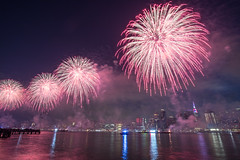 Macy's Fireworks (Jemlnlx) Tags: canon eos 5d mark iv 4 5d4 5div new york city ny nyc queens borough long island east river fireworks firecrackers 4th fourth july 2017 macys macy display skyline empire state building esb