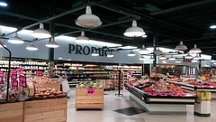 Overview of the rest of produce (Retail Retell) Tags: superlo foods grocery store southaven ms desoto county retail former schnucks albertsons seessels corrugated metal decor interior seesselsbyalbertsons