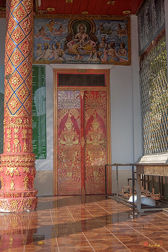 Wat Chetuphon Phra Wihan Right Side Doors (DTHCM1324)
