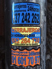 CERRAJEROS (frankrolf) Tags: 24horas arial cerrajeria cerrajeros madrid stickers type:face=arial