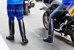 """bootsservice 17 1600860 (bootsservice) Tags: paris """"gay pride"""" """"marche des fiertés"""" bottes boots ridingboots weston sm motards motos motorcyclists motorbiker cuir leather caoutchouc rubber uniforme uniform"""