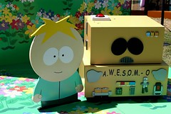 2016-A.W.E.S.O.M.O & Butters Outside SDCC-01 (David Cummings62) Tags: sandiego ca calif california comiccon con david dave cummings southpark animated series tvseries cartoonnetwork sets outside 2016 awesomo carman robot butters