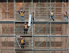 men at work (Watcher/124) Tags: architektur hongkong menschen people workingpeople