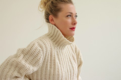 Luxury turtleneck wool sweater (Mytwist) Tags: salvagehouse 1980s oatmeal funnel sweater turtleneck rollkragen rollneck wool fashion style craft design fetish fuzzy grobstrick handgestrickt handknit heavy winter traditional timeless pullover passion pulli polo cozy classic casual cabledsweater