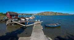 Abandoned Boat (juliolunap) Tags: outdoors archipielago nature goteborg gothemburg sweden sverige bluesky blue water islands island aspero