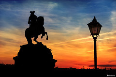 Into the Sunset. (_Anathemus_) Tags: statue prince eugene hofburg palace sculpture vienna wien austria nikon d750 silhouette lamp post old fashion horse riding österreich